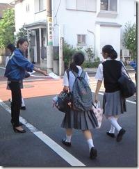 スクールハンディング 学校前街頭配布1